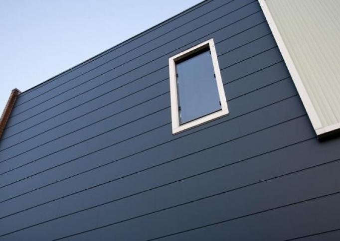 Hoe schroef je Rockpanel op een houten constructie?